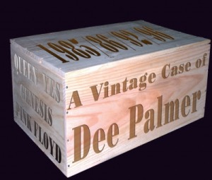 Dee Palmer box single photo
