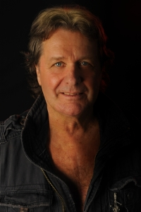 john-wetton-captivity-pr-med-res